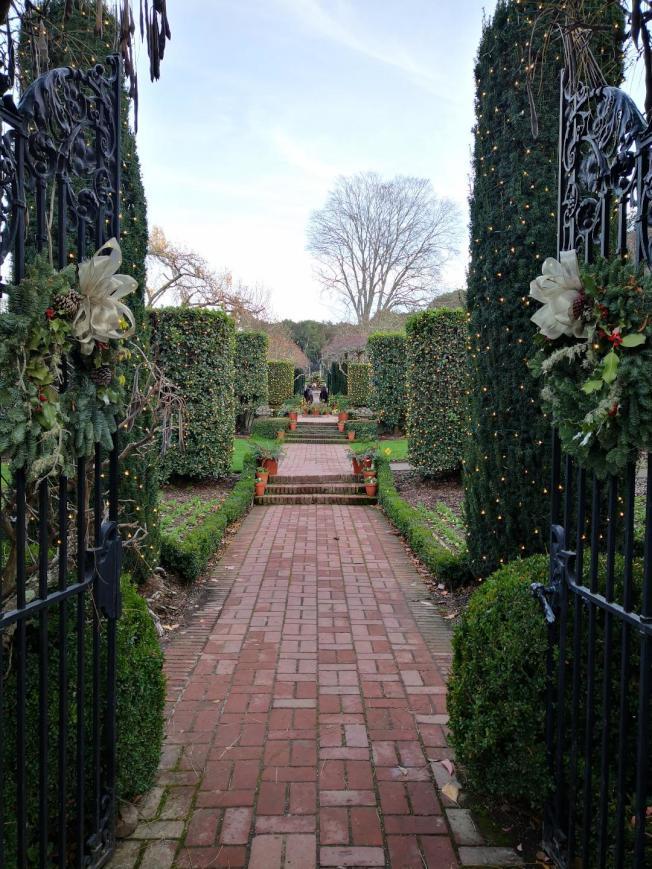 Filoli莊園美景如畫,能塑造出花園婚禮、草坪婚禮、庭院式婚禮。