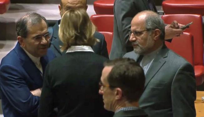 伊朗駐聯合國大使拉凡奇(左)。路透