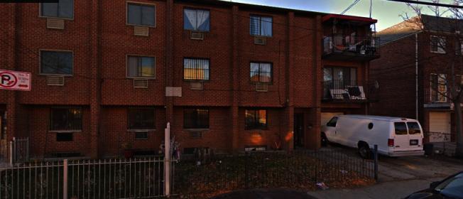赖伟因非法将两家庭的住宅改建成六个单独的房间,被开出21万6250元罚单。(取自谷歌地图)