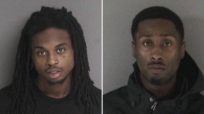 華人工程師工程師曾碩在屋崙星巴克筆電搶劫案中身亡。兩嫌犯瑞德(左,Byron Reed)和賈馮·李(右,Javon Lee)3日首次過堂。(屋崙警方供圖)