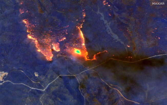 澳洲野火1月4日的衛星照片。(Getty Images)