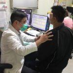 35歲男太操勞「肺泡受損」 插管1個月才救回