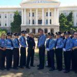 爾灣華裔社區 捐助少警隊交通車
