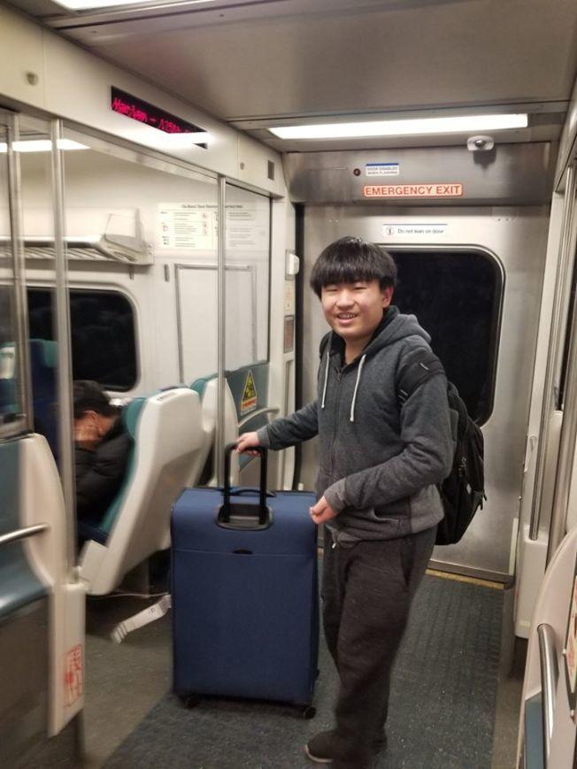 15歲的嚴澤林已尋回,確認他回到北京與父母在一起。(取自紐約州警臉書)