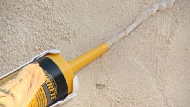 凹凸不平的灰泥牆在南加很常見,不過若是手藝不好,容易裂紋。(取自HomeDepot)