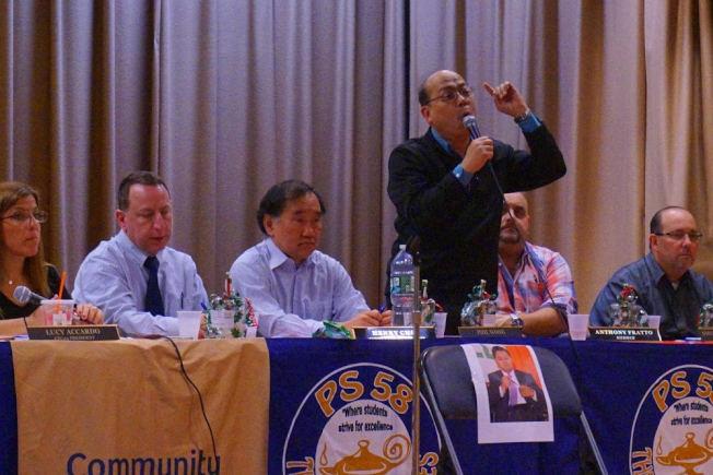 黃友興當選24學區委員會主席。(黃友興提供)