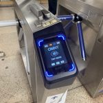 地鐵手機付費本周破500萬次  乘客投訴遭「搶錢」