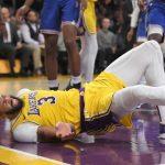 NBA╱戴維斯重摔!湖人報平安:尾骨淤傷無礙