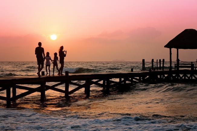 傳統中產階級家庭,每年有一次闔家旅行。(Pixabay)