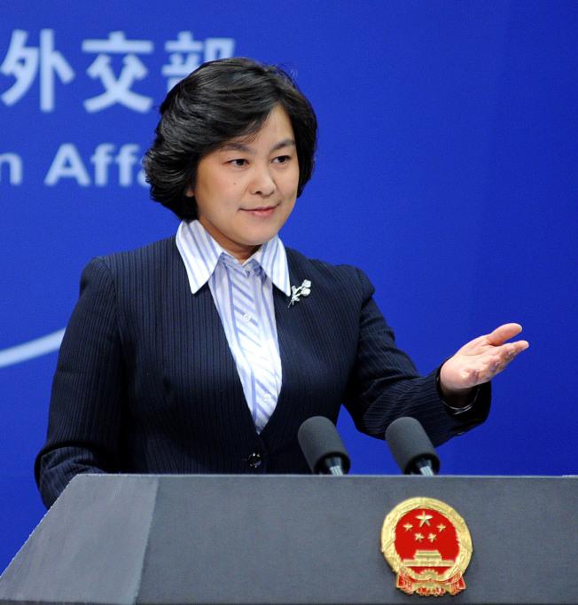 中國外交官們發出的推文,瞄準的對象不只有海外用戶,還有體制內的同僚及領導。圖為外交部發言人華春瑩。(新華社資料照片)