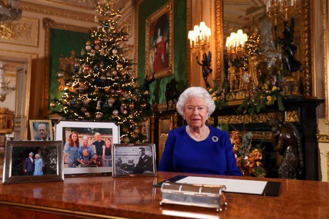 女王發表耶誕賀詞,桌上照片沒有哈利一家。Getty Images資料照片