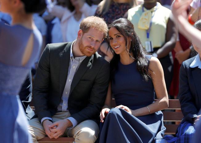 英國哈利王子和妻子梅根宣布退出高級王室成員身分,被傳媒形容是「Megxit」。(路透)