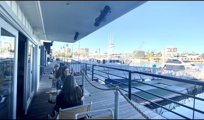 新港灘海景餐廳。(記者尚穎/攝影)