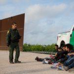 上月美墨邊界逮3.28萬無證客 連7月下降