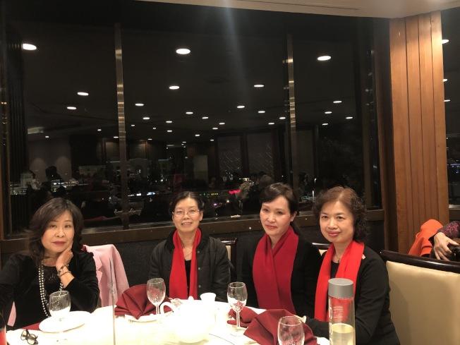 美國華人華僑聯合總會晚會,數百名華僑聚集一堂歡度佳節。(記者張宏╱攝影)
