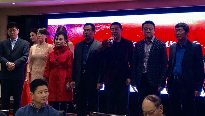 美國華人華僑聯合會日前舉辦耶誕新年晚會。(記者張宏╱攝影)