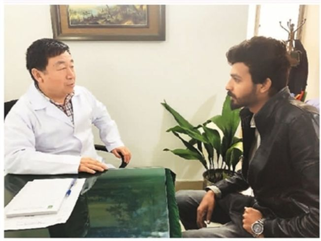 中國醫師喇傑廉在巴基斯坦行醫28年。(取材自人民日報)