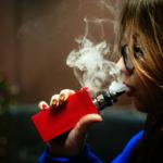 抽電子菸 恐吸入有毒化合物