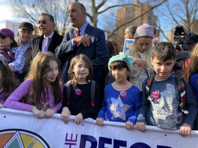 猶太裔兒童參加集會。(記者鄭怡嫣/攝影)