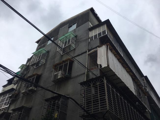 死者在台北市萬華區的出租套房。(記者李隆揆/攝影)