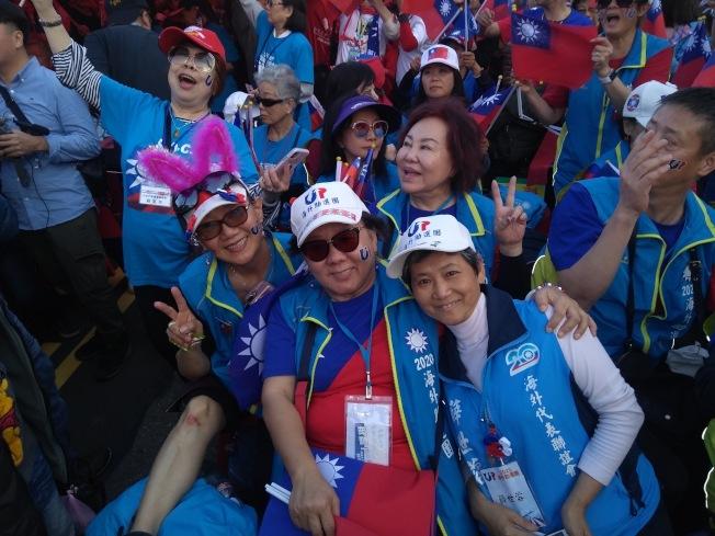 許多海外僑胞返台挺韓。(讀者提供)