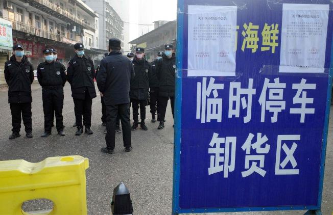 造成武漢肺炎的新型病毒,引起國際社會高度警惕。圖中為武漢一個海鮮市場。(Getty Images)