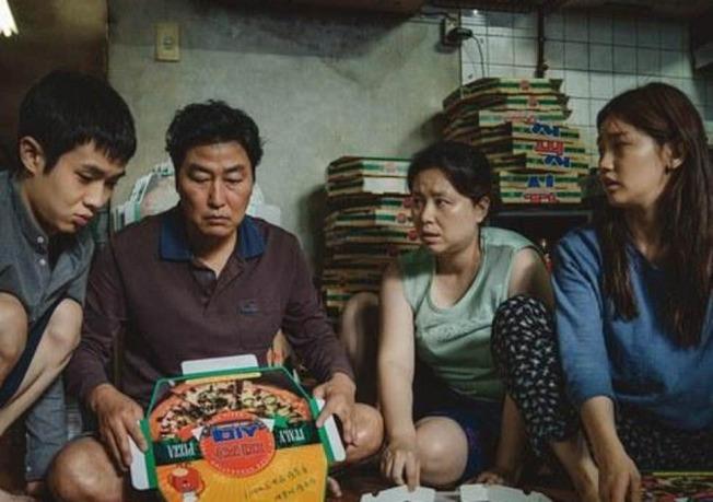 韓國電影「寄生上流」(Parasite)成為韓國之光,不僅是韓國第一次入圍最佳外語片,更是第6部同時入圍最佳影片和最佳外語片的電影。(A24圖片)
