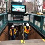 〈圖輯〉曼哈頓上西城水管爆裂 淹沒4個街區 商家停業 地鐵中斷