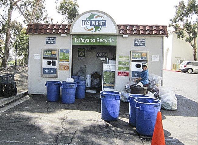SB 372法案有意使飲料製造商,對回收空瓶承擔更多責任。(網路圖片)