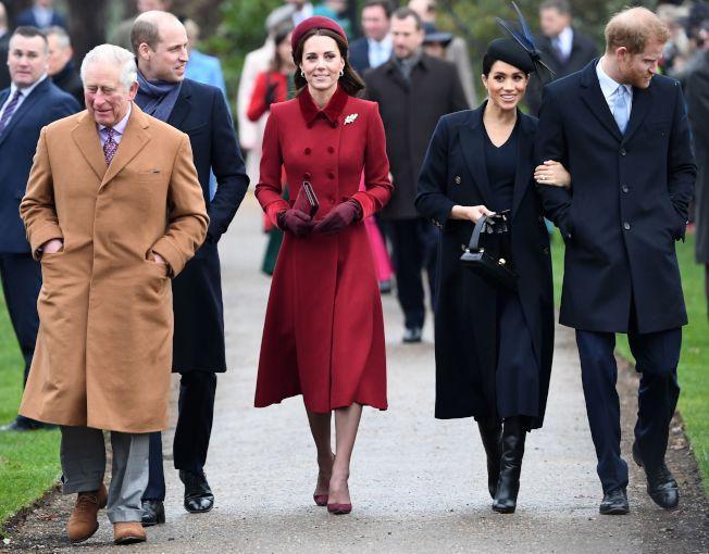 2018年12月哈利王子與梅根剛結婚,與兄長威廉王子(後右一)、王妃走在一起,號稱皇家四金剛,羡煞世人。前為父親查理親王。(Getty Images)