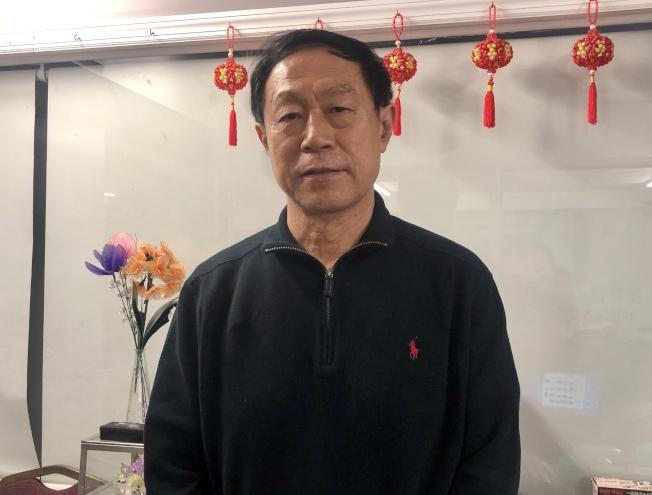 王巍歡迎民眾到「Hello Panda Festival」賞燈的同時,觀賞竹樂團的表演。(記者朱蕾/攝影)