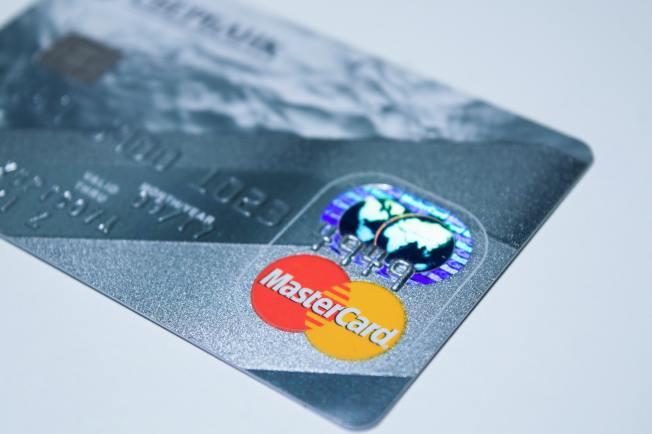 善用信用卡回饋計畫。(Pexels)