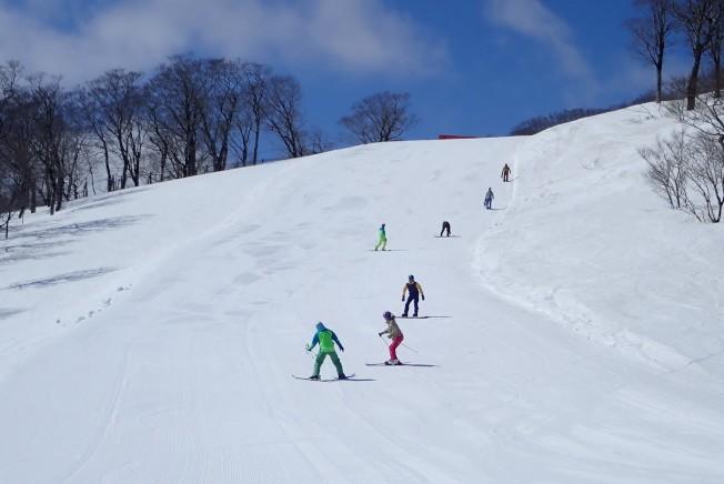 夏油高原滑雪場,以積雪量大、雪季長、雪況佳而著稱。(圖:高豐旅行社提供)