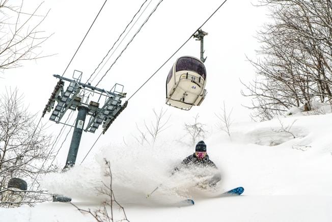 夕張滑雪場設有18條雪道,適合不同程度的玩家。(圖:夕張滑雪度假村提供)