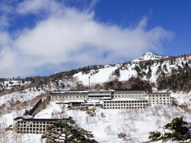萬座溫泉滑雪場擁有群馬地區最佳品質的雪,被譽為「粉雪的萬座」。(圖:可樂旅遊提供)