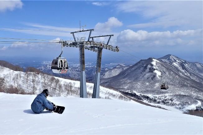 夏油高原滑雪場共設有14條不同等級的滑道。(圖:高豐旅行社提供)