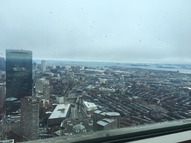 保德信大樓頂層觀景餐廳和觀景台可鳥瞰波士頓。(記者劉晨懿之╱攝影)