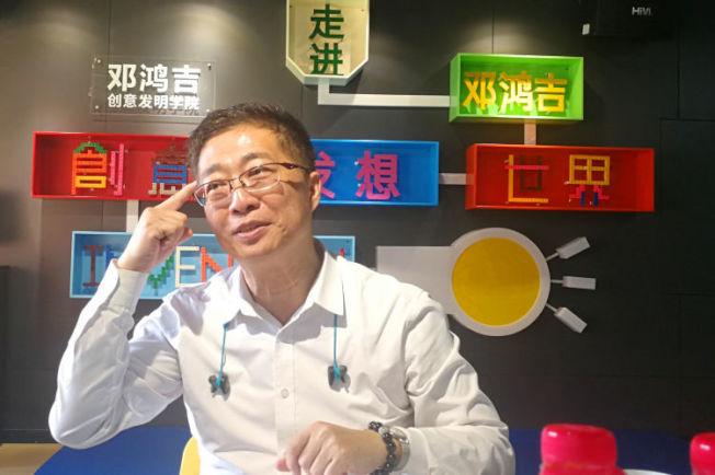 鄧鴻吉有一個夢想,希望用智慧與技能,幫助大陸成為發明創意的王國。(新華社)