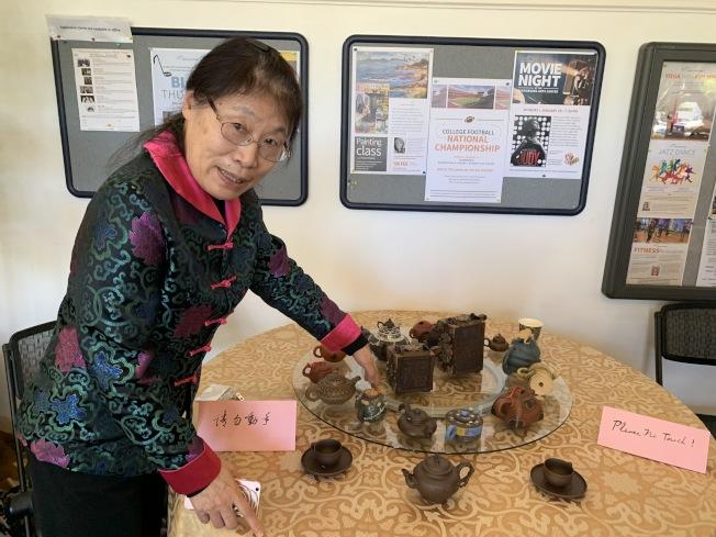 造型各異的紫砂壺展現品茶的趣味。(本報記者/攝影)