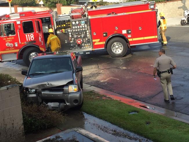 車輛受損嚴重。(讀者提供)