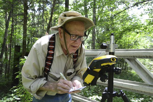 印第安納州最老員工、現年102歲的沃爾默即將退休,預計2月6日是最後上班日。(美聯社)