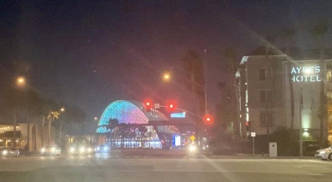 安那罕市車站夜景。(記者尚穎/攝影)