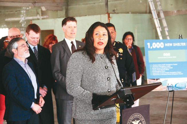 市長布里德和一眾官員宣布將在888 Post街建成一個「過渡期青少年」收容中心。她也宣布了新的目標,將在未來兩年安置2000遊民。(記者李晗/攝影)