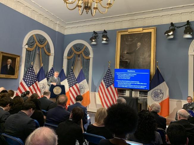 紐約市長白思豪16日發表2021財年初步預算,高達953億元的預算比上年預算增加25億元。(記者和釗宇/紐約報導)