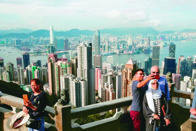 瑞士寶盛集團最新年度調查顯示,香港是全球高檔消費最昂貴的城市。 (路透)