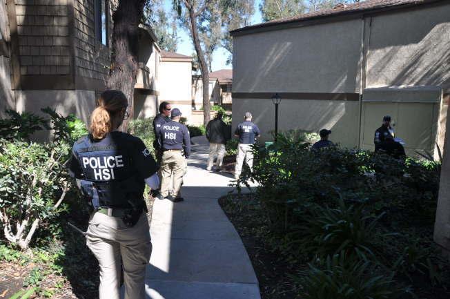 聯邦探員先前在南加州突檢涉嫌違法的月子中心。(本報檔案照片)
