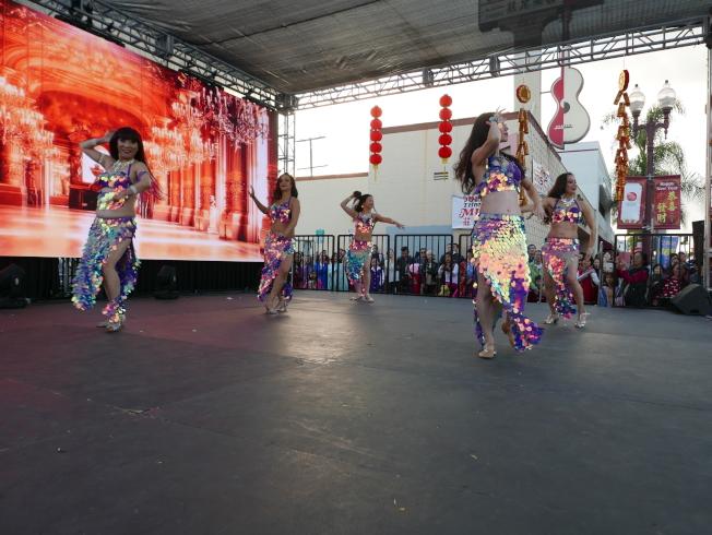 肚皮舞舞團Shabana表演。(記者李雪╱攝影)