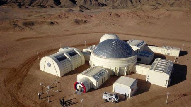 中國在甘肅省境內的火星模擬生存基地包括總控艙、氣閘艙、乘員艙、生物艙等九個艙體。(新華社)