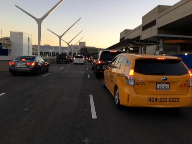 因武漢新型冠狀病毒的爆發,洛杉磯國際機場(LAX)18日起將對來自中國的乘客進行健康篩選(health screening)。(本報檔案照)
