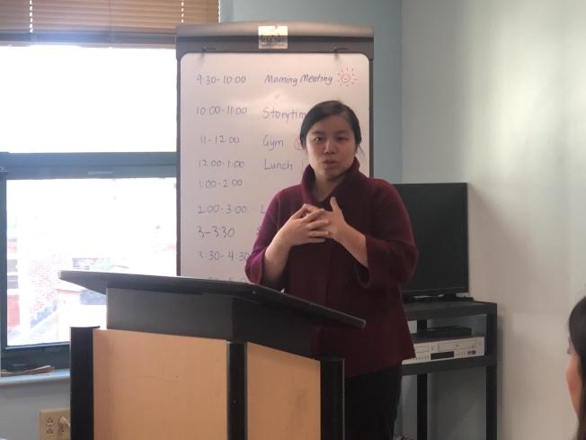 塔夫茲醫療中心亞裔健康提倡主任曾雪清宣布華埠戒菸相關推廣項目延續三年。(記者劉晨懿之/攝影)